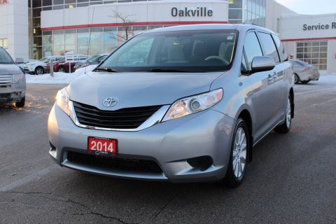 Pre-Owned 2014 Toyota Sienna LE AWD w/ Bluetooth & Backup Camera AWD