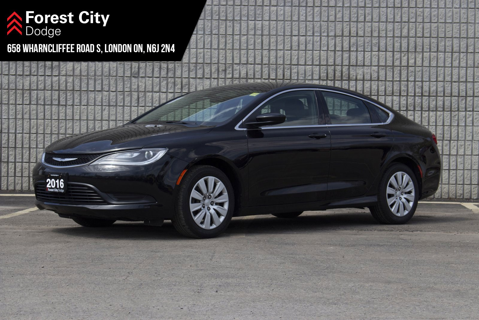 Pre-Owned 2016 Chrysler 200 LX | AUTOMATIC | CLOTH INTERIOR | KEYLESS ENTRY | FWD