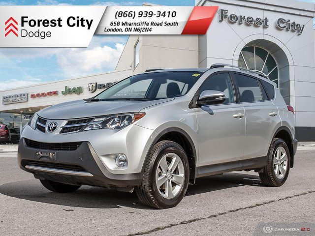Pre-Owned 2013 Toyota RAV4 XLE | Cloth Seats | Back-up Cam | Moonroof