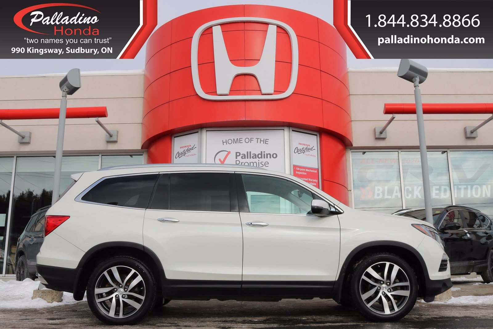 Pre-Owned 2016 Honda Pilot Touring-ALL WHEEL DRIVE, THIRD ROW SEATS, REAR ENTERTAINMENT SYSTEM