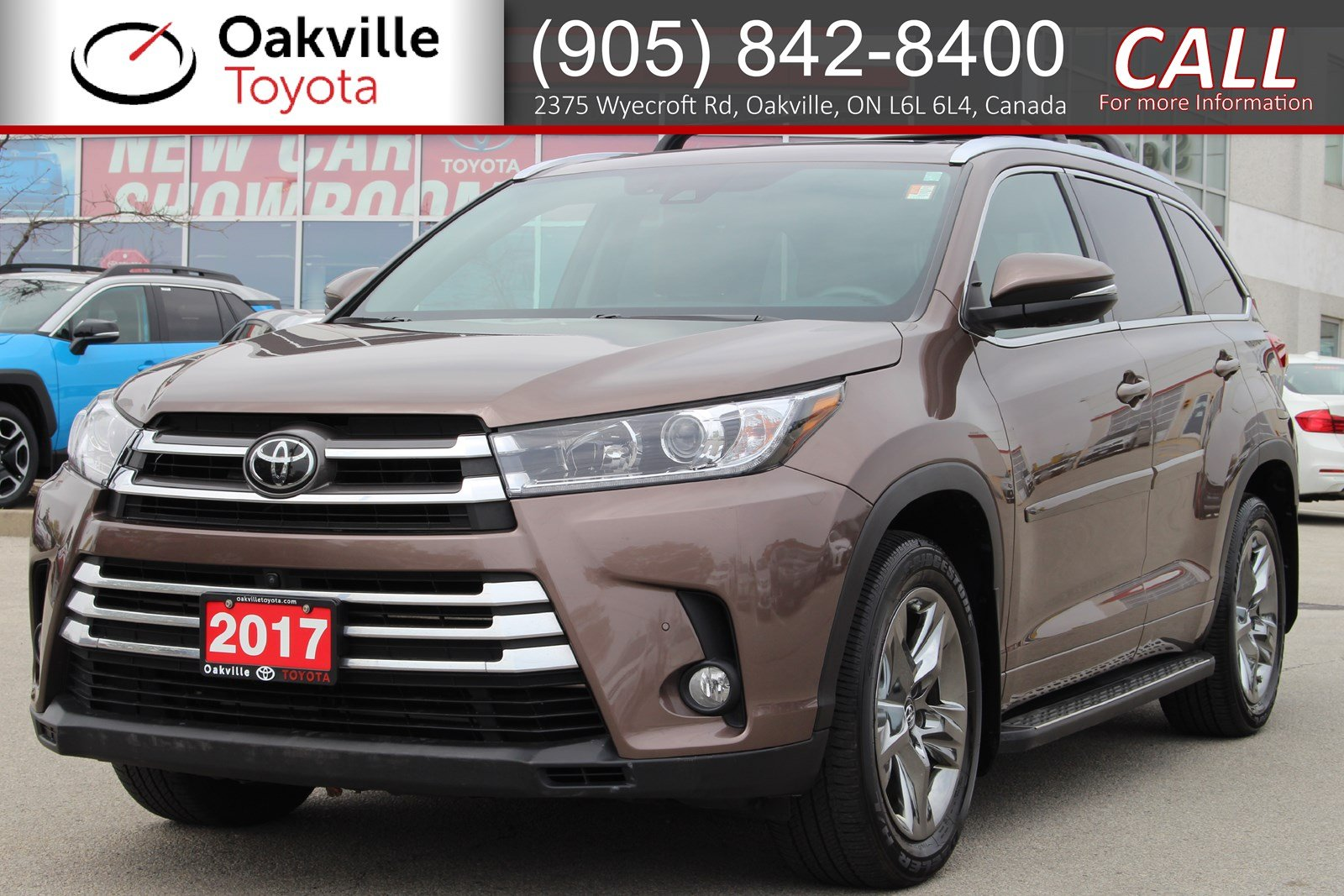 Pre-Owned 2017 Toyota Highlander Limited AWD with Running Boards and Clean Carfax