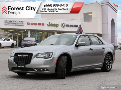 Pre-Owned 2018 Chrysler 300 300S | LEATHER INTERIOR | BACKUP CAM | NAV | BLUE DASH BACKLIGHT