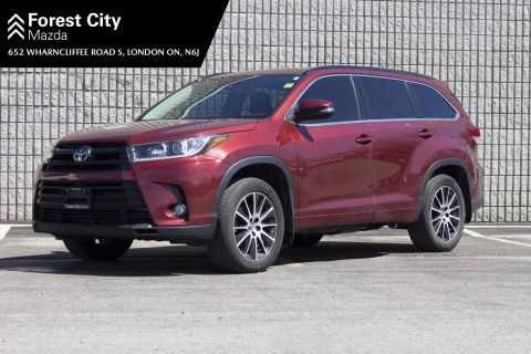 Pre-Owned 2017 Toyota Highlander SE,LEATHER,NAVIGATION,POWER MOONROOF With Navigation & AWD